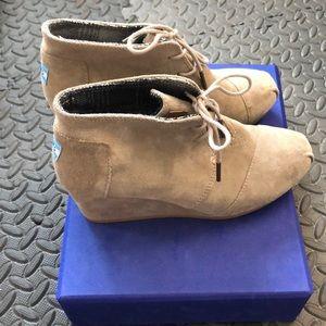 Women's Toms Desert Wedge booties